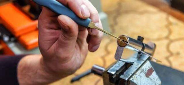 Can a locksmith unlock an old basement below ground door