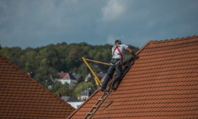 Roof Repair & Replacement - Signs that it's time to call the roofing guy!