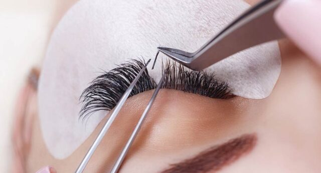 Why Should You Want to Take an Eyelash Extension Course