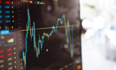 How to Decide What Stocks to Invest