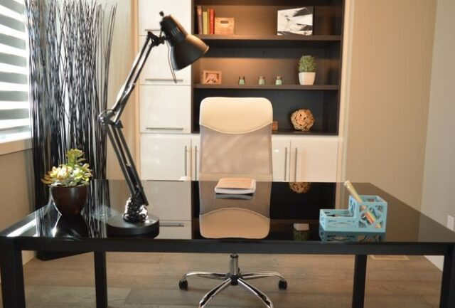 5 Must Have Office Accessories for Efficient Workflow