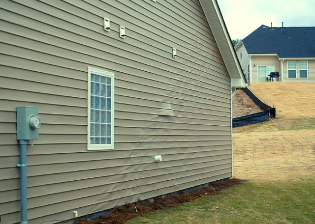10 Signs that your home siding needs immediate replacement