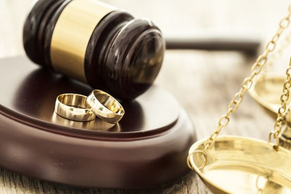 Top 6 Factors to Consider When Selecting a Divorce Lawyer