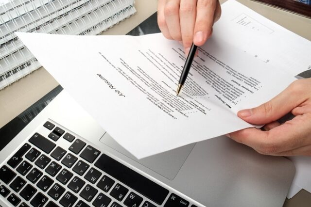 4 Cool Ways to Stand Out on a Job Application